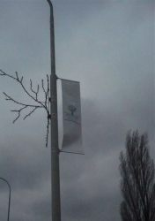 A lamp post flag mounting